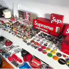 What a collection! @supremenewyork accessories are always nice to have! Tag #sneakersmag for a shoutout! by @joemigraine #sneakersmag #supreme #supremenewyork #accessories #streetwear