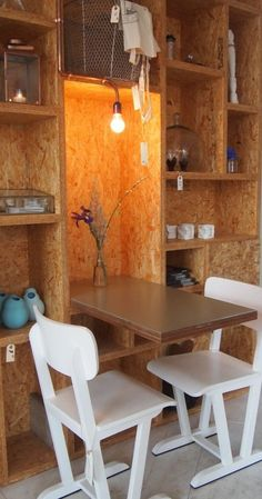 La tana osb esszimmermöbel wand Kitchen remodeling and design ideas Article Body: The kitchen is the Dining Furniture, Home Furniture, Furniture Design, Chipboard Interior, Home Interior Design, Interior Architecture, Osb Wood, Interior Cladding, Plywood Cabinets
