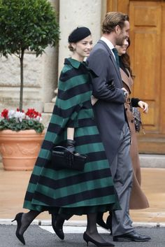 Beatrice Borromeo : Maman gracieuse avec Stefano et Francesc.- Beatrice Borromeo : Maman gracieuse avec Stefano et Francesco au palais - Andrea Casiraghi, Charlotte Casiraghi, Prince Albert, Beatrice Borromeo, Royal Wedding Guests Outfits, Editor Of Vogue, Camille Gottlieb, Style Royal, City Outfits
