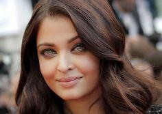 Aishwarya-Rai-Bachan-wearandcheer.com_1 Celebrities  Top 30 Most Beautiful Women In The World Officially