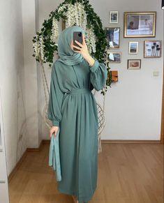 Hijab Style Dress, Modest Fashion Hijab, Modesty Fashion, Indian Fashion Dresses, Abaya Fashion, Muslim Fashion, Modest Outfits, Fashion Outfits, Hijab Wedding