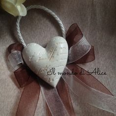 Segnaposto in gesso ceramico. Cuore con frase incisa. #romantic #memories #heart #wedding #matrimonio #ricordi #cuore #segnaposto #segnapostomatrimonio