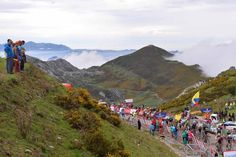 Vuelta a España 2014 - Stage 15: Oviedo - Lagos de Covadonga 152.2km - The peloton in the 75m of the stage comes home several minutes down on the winner