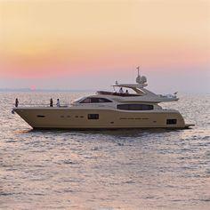 External view Ferretti Yachts - Altura 840 #yacht #luxury #ferretti