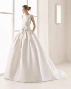 Mikado/Ottoman wedding gown. Rosa Clará Two 2017 Collection.