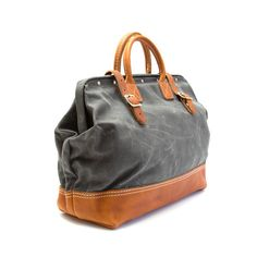 Wood and Faulk Northwesterner Bag