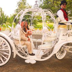 D'Plazzo bride Megan in her carriage headed to the vineyard for wedding ceremony! Love being a wedding planner and helping our brides dream wedding come true! D'Plazzo is on Facebook and Twitter - dplazzocouture - www.dplazzo.com