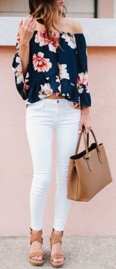 Take a look at 14 stylish spring outfits with white jeans in the photos below and get ideas for your own amazing outfits! White jeans, chambray shirt and brown accessories Amazing Outfits Image source Mode Outfits, Casual Outfits, Fashion Outfits, Womens Fashion, Fashion Trends, Jeans Fashion, Casual Brunch Outfit, Summer Brunch Outfit, Summer Ootd