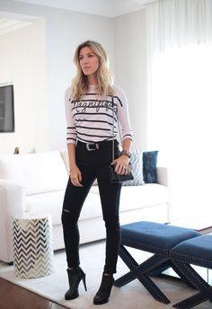 calça preta skinny e listras