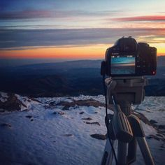 Snowy magic sunset.  Mágico atardecer nevado. #timelapse #timelapsevideo #timelapsephotography www.albertoexposito.net Time Lapse Photography, Mountains, World, Nature, Photos, Travel, Snow, Naturaleza, Pictures
