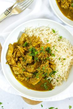 No browning, no preparation. Just leave this Slow Cooker Chicken Curry to bubble away and come home to the most delicious curry. Easy Chicken Curry, Easy Chicken Recipes, Crockpot Recipes, Cooking Recipes, Autumn Recipes Slow Cooker, Slow Cooker Recipes Family, Crockpot Dishes, Family Meals, Slow Cooking