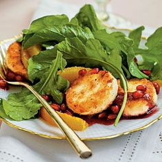 Spicy Shrimp Arugula Salad with Blueberries - www.diypinterest....