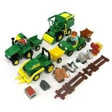 Les amis de la ferme Tomy - La famille s'agrandit -Gamme de jouets adaptés aux tout-petits favorisant l'éveil. Sur www.jeprogresse.com