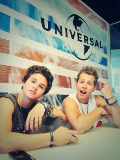 Brad and James from The Vamps.Brad trying to look cool and James being silly Brad Simpson, Will Simpson, Evan And Connor, Meet The Vamps, Bradley The Vamps, Perrie Edwards, Duchess Kate, Celebs, Celebrities