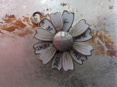 Antique Silver Enamel French I Love You Je T'Aime Passionement Moving Daisy Charm