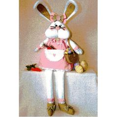 Tracy the Bunny pattern designed by Gail Penberthy Tracy is a cute decoration for the home. Standing approx high, Tracy is a a must for all tho Fabric Toys, Fabric Crafts, Diy Crafts, Christmas Sewing Projects, Diy Sewing Projects, Knit Or Crochet, Crochet Toys, Sewing Toys, Hot Pads