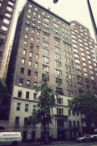 Would you be interested in living at the same address as where Marilyn Monroe once lived? Or maybe the famous designer, Bill Blass? 444 East 57th Street is a luxurious condominium building, located in the heart of the city where the Upper East Side meets Sutton Place and Midtown East.