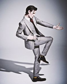 Matt wears a suit so well! This amazing.