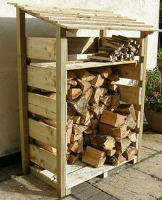 Awesome 51 Pretty Diy Outdoor Firewood Storage Design Ideas To Have Right Now Outdoor Firewood Rack, Firewood Logs, Outdoor Storage, Wood Storage Sheds, Firewood Storage, Diy Pallet Projects, Outdoor Projects, Log Shed, Parrilla Exterior