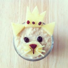 A fun bowl of oatmeal, a great way to start your little one's day #OrganixFoodFun