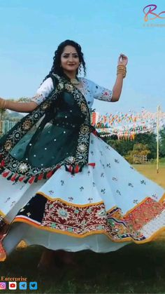 Indian Wedding Gowns, Party Wear Indian Dresses, Pakistani Fashion Party Wear, Party Wear Lehenga, Indian Bridal Fashion, Indian Fashion Dresses, Indian Designer Outfits, Ethnic Fashion, Wedding Outfits For Women