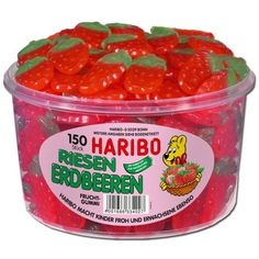1 tub Haribo Strawberries / Riesen Erdbeeren with 150 pieces Net weight: / tub. Jelly Beans, Candy Recipes, Gourmet Recipes, Fini Tubes, Gummi Candy, Giant Strawberry, Gum Flavors, Sweets Online, Junk Food Snacks