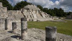 Edzná es el sitio arqueológico más importante en la región Puuc de Campeche. Sus más de 20 edificios monumentales nos hablan de la concentración del poder político, económico y religioso ocurrido especialmente entre los años 600 y 1200 de nuestra era.