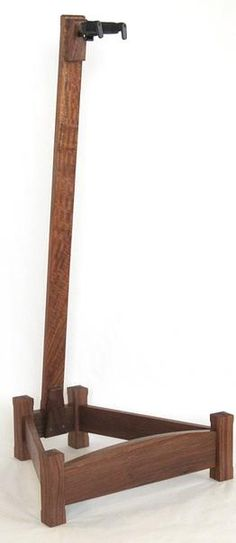 Reed's Woodshop Wood Guitar Stands | Chico Walnut