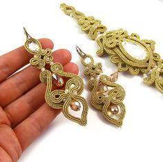 Set di Weddingjewelry. Nuziale soutache orecchini lunghi