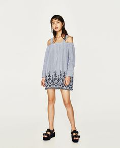 Image 1 of STRIPED OFF-THE-SHOULDER DRESS from Zara