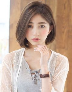 Classy and Simple Short Haircut for Men and Women From all hairstyles, short haircut seems not to go anywhere soon. It can give a younger and trendier look on you. Wanna try one? Check out below. Korean Short Hair, Short Hair Cuts, Japanese Short Hair, Pixie Cuts, Short Pixie, Medium Hair Styles, Curly Hair Styles, Shot Hair Styles, Asian Hair