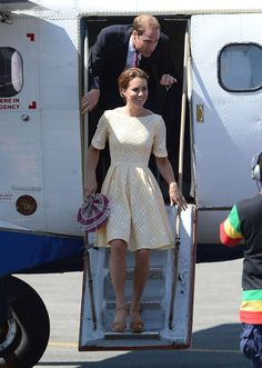 in love with this dress!! kate middleton yellow eyelet dress