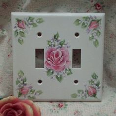 This could be done with a white or cream wall plate and decals. Rose Cottage, Shabby Chic Cottage, Shabby Chic Style, Decoupage, China Painting, Tole Painting, Switch Plate Covers, Switch Plates, One Stroke Painting