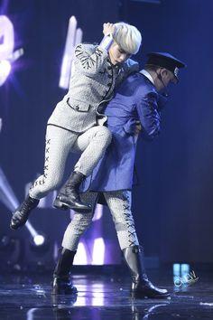 this choreography tho..