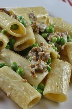 Rigatoni pasta in a creamy sausage sauce with green peas. Pastas Recipes, Pea Recipes, Italian Recipes, Cooking Recipes, Healthy Recipes, Recipies, Italian Entrees, Italian Meals, Cooking Pasta