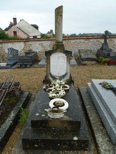 Tombe cimetière Chambry