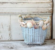 how to decorate with seashells Petticoat Junktion #nautical #seashells#beach