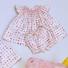 Estamos apaixonadas por esse vestido lindo da @danifraiha_baby_kids um charme para as princesas.    Para comprar direto por aqui é só clicar no linkhttp://bit.ly/2eqCNTm    #maedemenina #modainfantil #muitoamor #fashionkids
