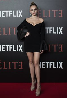 Share, rate and discuss pictures of Ester Expósito's feet on wikiFeet - the most comprehensive celebrity feet database to ever have existed. Spanish Actress, Gala Dresses, Couture Collection, Woman Crush, Ideias Fashion, Celebrity Style, Celebs, Actresses, Fashion Outfits