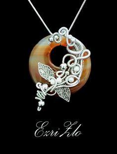 fantasy pendant wire wrapped agate