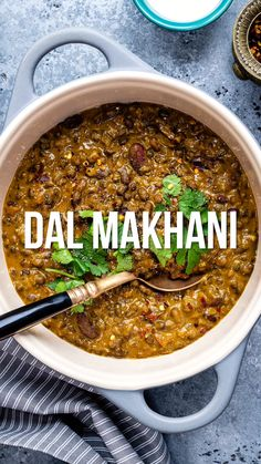 This vegan Dal Makhani is a healthier, leaner version of the popular Indian dish made with whole urad dal and kidney beans. Still incredibly rich and creamy… just a little less calorific! Lunch Recipes Indian, Vegetarian Recipes Videos, Veggie Recipes, Cooking Recipes, Healthy Recipes, Kidney Recipes, Indian Snacks, Snack Recipes, Indian Beans Recipe