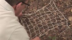 How to make fishing nets DIY project. Learn how to make your own fishing net using cord and a special diy or bought knitting needle. Dale over on Video Jug Survival Food, Homestead Survival, Camping Survival, Outdoor Survival, Survival Prepping, Survival Skills, Camping Hacks, Emergency Preparedness, Survival Videos