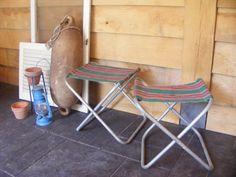 Vintage stools and decorations / Vintage - Retro krukjes en Brocante decoraties * de tijd van toen * Brocante & Styling *