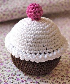 FREE Cupcake Crochet Pattern and Tutorial ❥Teresa Restegui http://www.pinterest.com/teretegui/❥