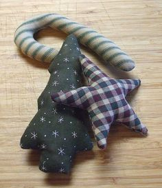 Primitive Christmas Ornaments | Sale Primitive Christmas Green Holiday Ornament Bowl Filler Tucks