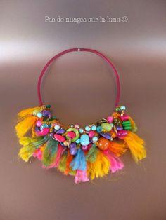 "Collier Perles et laine ""Carnaval"""