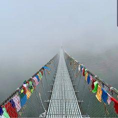 Bridge to Heaven 😍 . ➖ ➖ L o c a t i o n :~Heaven on Earth - Himalayan, Nepal🇳🇵 ➖ ➖ F o l l o w - I m a g e - S o u r s e :~ Крюков Алексей… Countries To Visit, Places To Visit, Heaven On Earth, Himalayan, Nepal, Trek, Ireland, Bridge, Germany