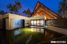 Đảo nhiệt đới Lombok với những rặng dừa rừng cọ san sát và bãi biển nguyên sơ là nơi trú ngụ của Villa Sapi, ngôi nhà nghỉ dưỡng nằm trên một diện tích bờ cát rộng ba hecta.