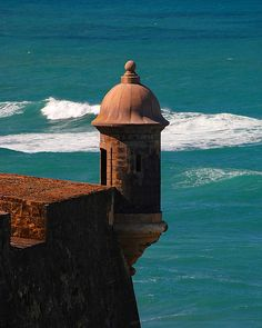 Puerto Rico~Sentry Box of Castillo San Cristobal in Puerto Rico. One of my favorite things while in Puerto Rico was visiting San Cristobal and learning her history. Puerto Rico Usa, Puerto Rico Island, Puerto Rico Trip, Puerto Rico History, San Juan Puerto Rico, San Cristobal Galapagos, Great Places, Places To Go, Puerto Rico Pictures