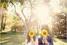 We <3 this adorable sunflower wedding day photo \\ Sun & Sparrow Photography  #sunflowerwedding